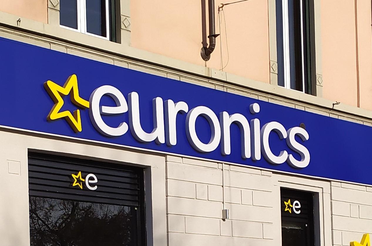 Nuovo Euronics (Nova) a Novate (MI)